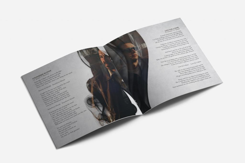 02_square_brochure_mockups2